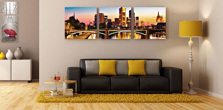 Картина модульная город над диваном