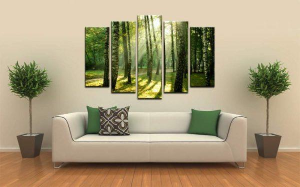 Модульная картина лес над диваном